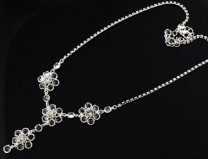 Glass necklace - flowers 5 mm