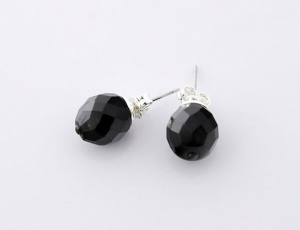 Earings black grinded