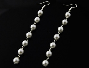 Pearl earrings - white