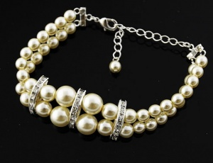 Bracelet pearl double with ornaments