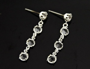 Glass earrings triple 5 mm
