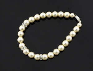 Bracelet pearl with ornaments 10 mm