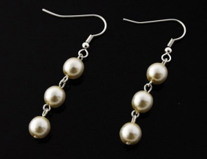 Pearl earrings - ecru