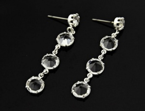 Glass earrings triple 7,5 mm